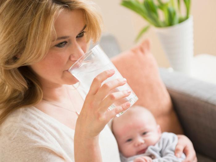 Sau khi sinh bao lâu thì được uống Sữa tươi Úc