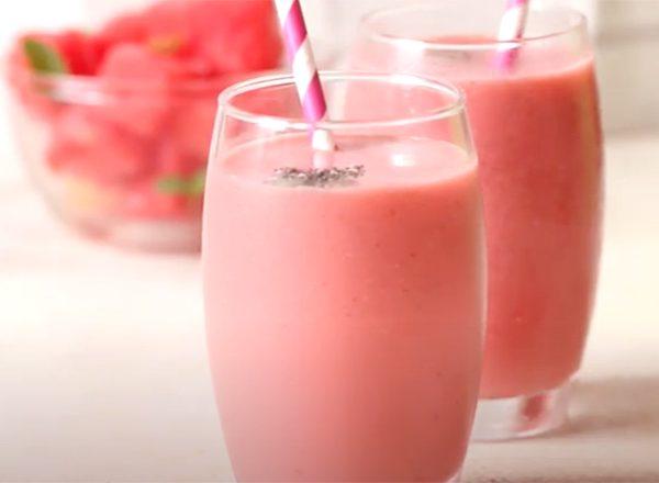 Cách làm Sinh tố dưa hấu sữa tươi nguyên kem